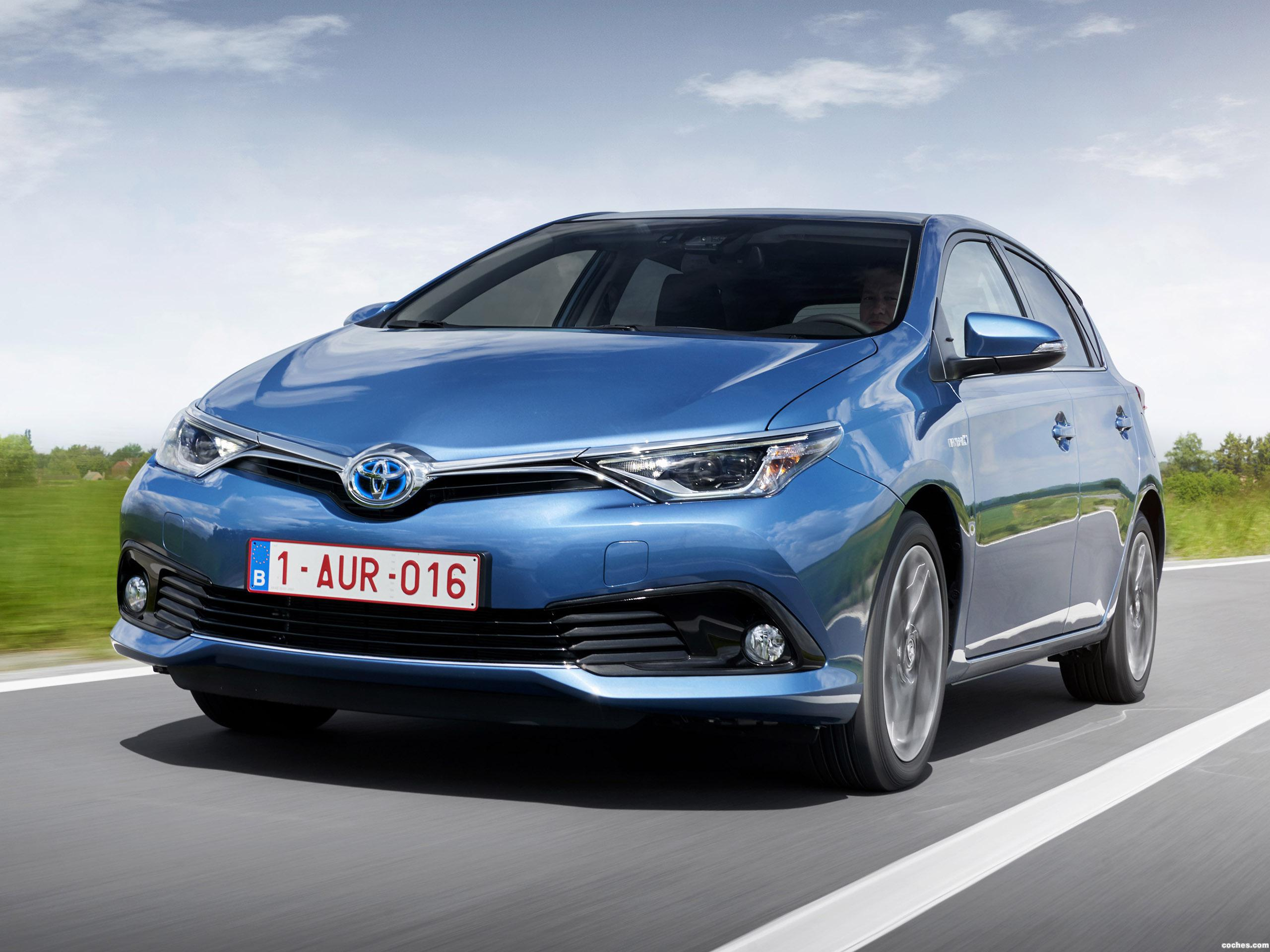 fotos de toyota auris hybrid 2015. Black Bedroom Furniture Sets. Home Design Ideas