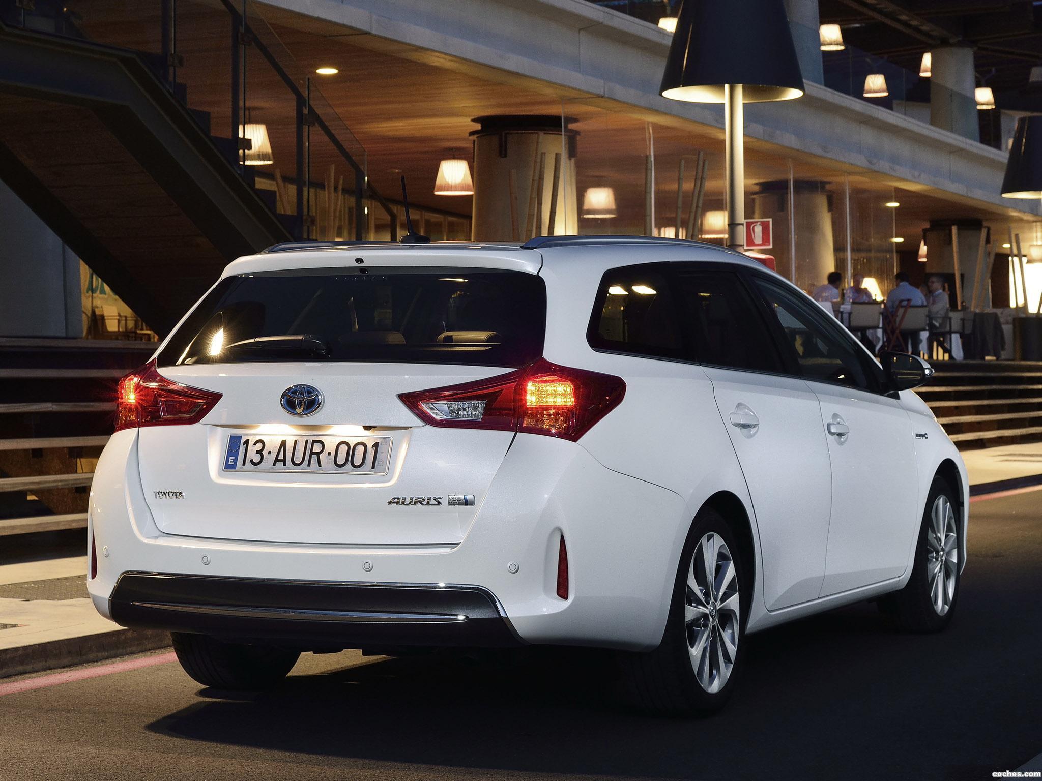 Foto 4 de Toyota Auris Touring Sports Hybrid 2013