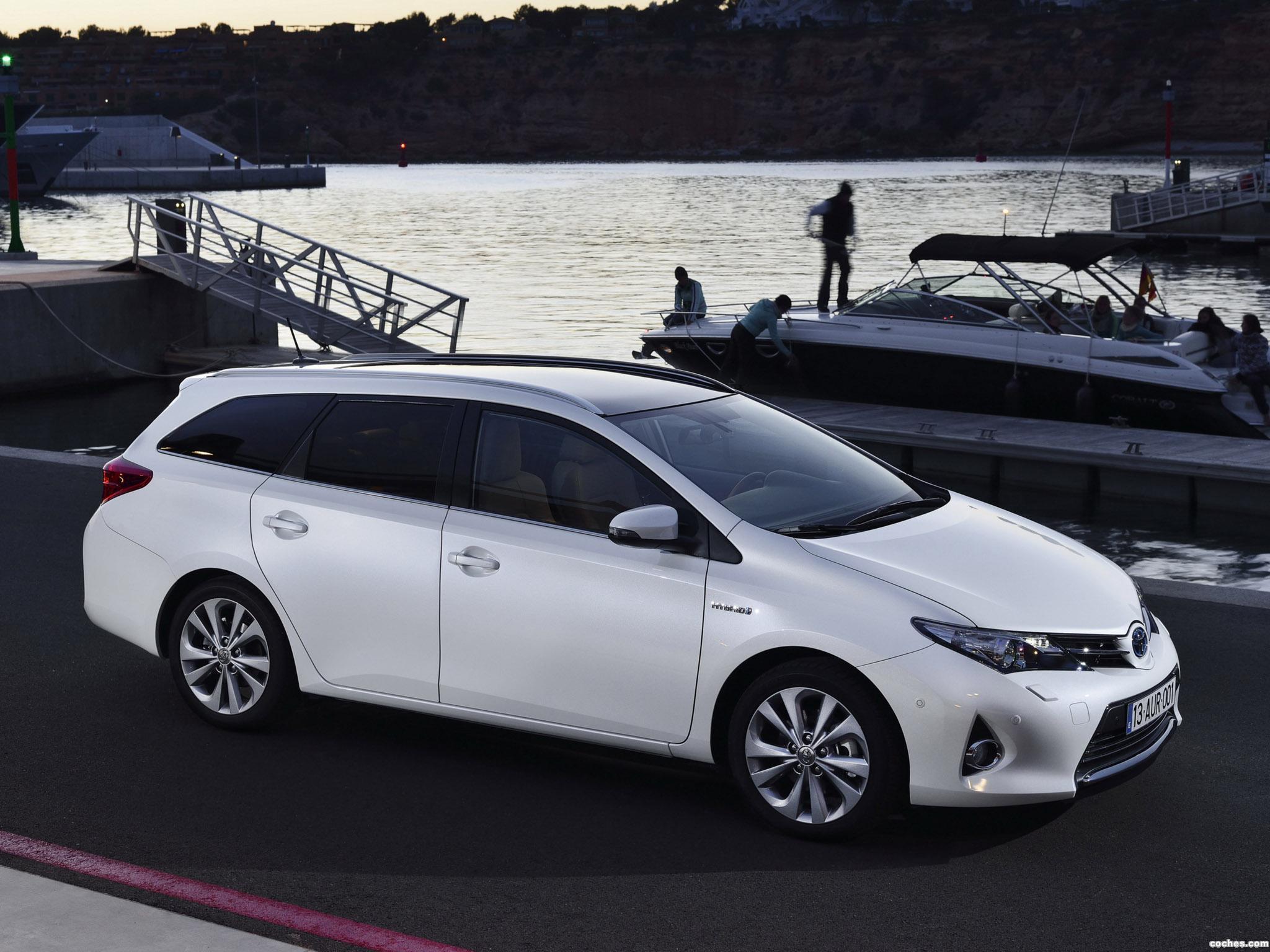 Foto 3 de Toyota Auris Touring Sports Hybrid 2013