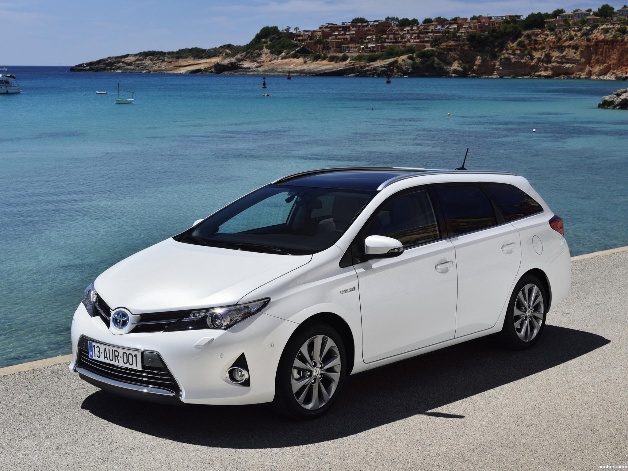 Foto 0 de Toyota Auris Touring Sports Hybrid 2013