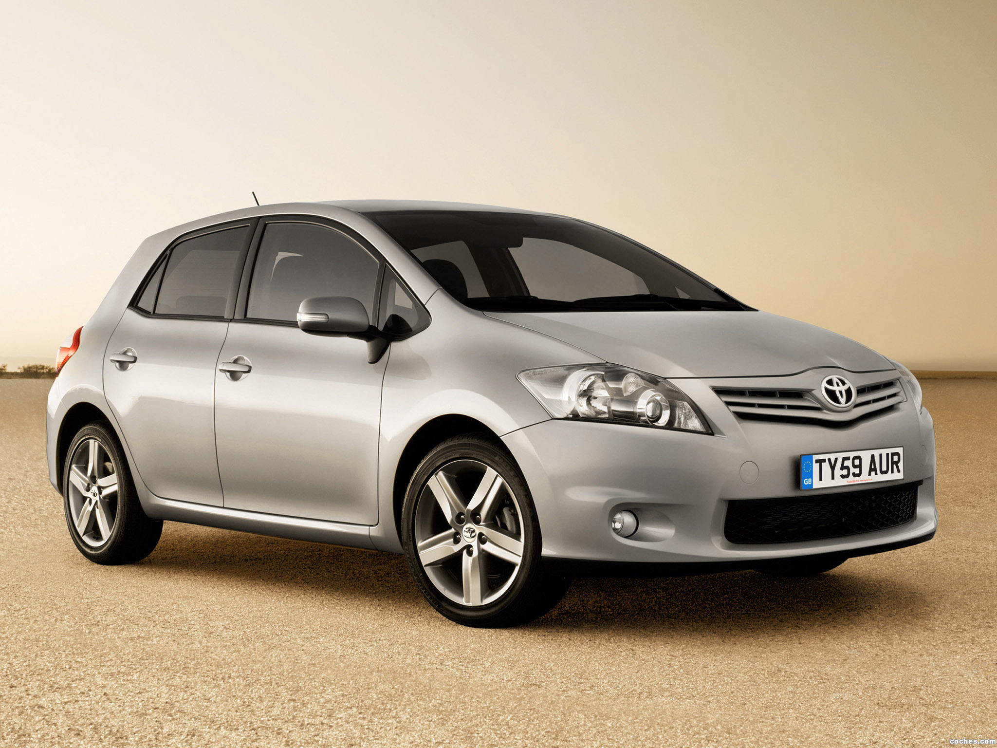 Foto 0 de Toyota Auris UK 2010