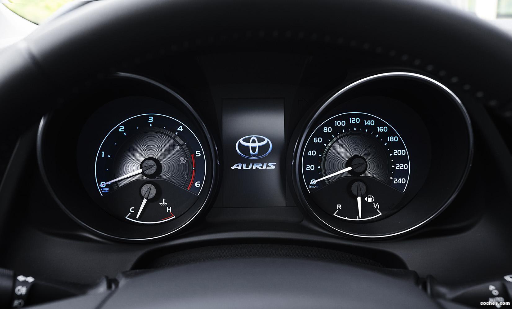 Foto 24 de Toyota Auris 2015