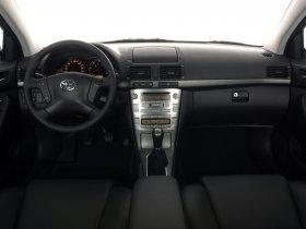 Ver foto 30 de Toyota Avensis Sedan 2003