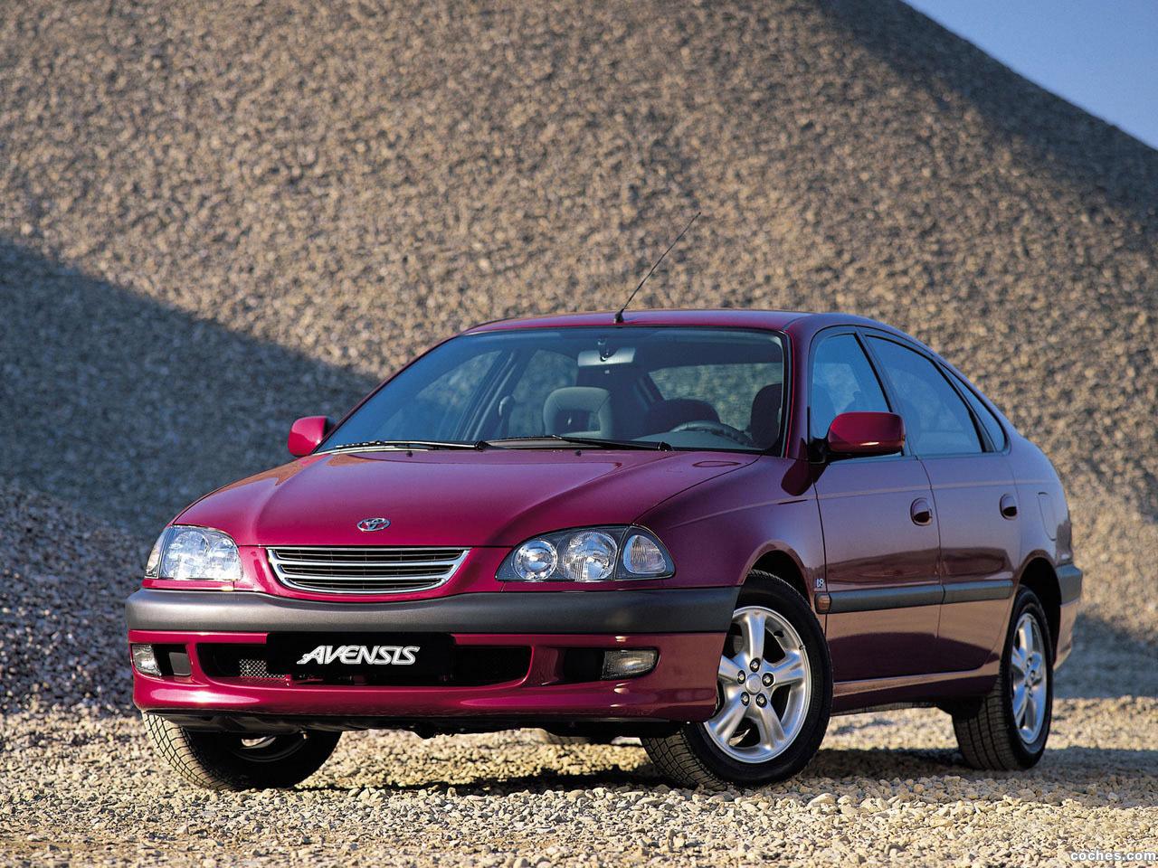 Foto 0 de Toyota Avensis Hatchback 1997