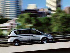 Ver foto 8 de Toyota Avensis Verso 2001