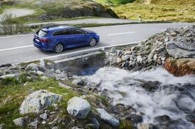 Fotos de Toyota Avensis Touring Sports