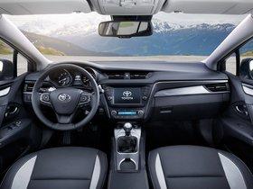 Ver foto 22 de Toyota Avensis Touring Sports 2015