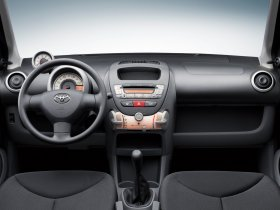 Ver foto 27 de Toyota Aygo 2005