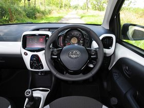 Ver foto 8 de Toyota Aygo 3 door UK 2014