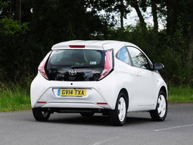 Ver foto 3 de Toyota Aygo 3 door UK 2014