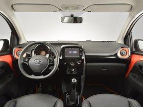 Ver foto 30 de Toyota Aygo 5 puertas X-Cite 2014