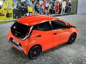 Ver foto 13 de Toyota Aygo 5 puertas X-Cite 2014