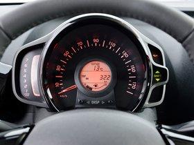 Ver foto 25 de Toyota Aygo 5 puertas X-Cite 2014
