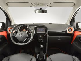 Ver foto 13 de Toyota Aygo 5 puertas 2014