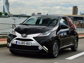 Ver foto 5 de Toyota Aygo X-Clusiv 5 puertas 2014