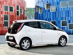 Ver foto 5 de Toyota Aygo x-play 5 puertas 2014