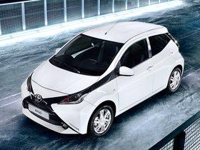 Fotos de Toyota Aygo x-play 5 puertas 2014