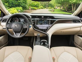 Ver foto 15 de Toyota Camry Hybrid XLE USA  2017