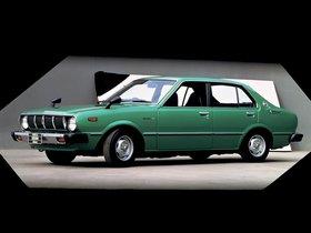 Ver foto 2 de Toyota Corolla 4 puertas Sedan E31 1974