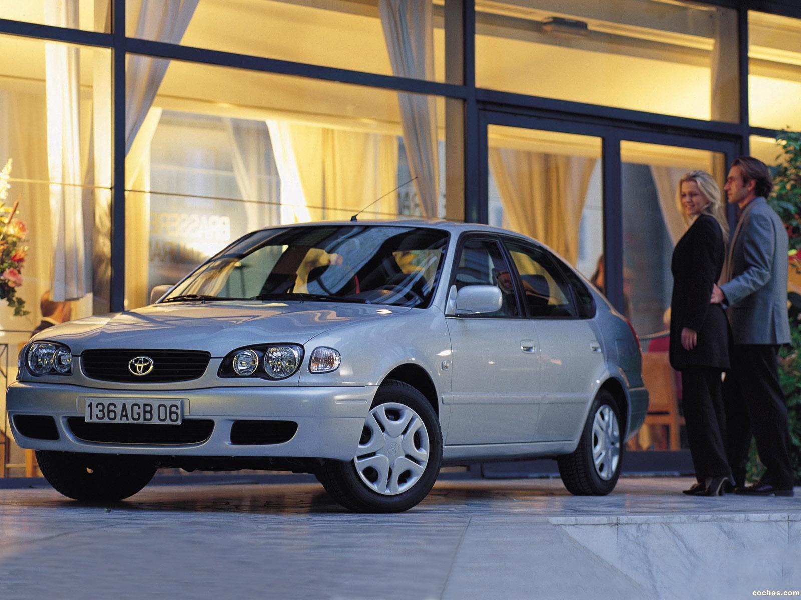 Foto 4 de Toyota Corolla 5 puertas 1999