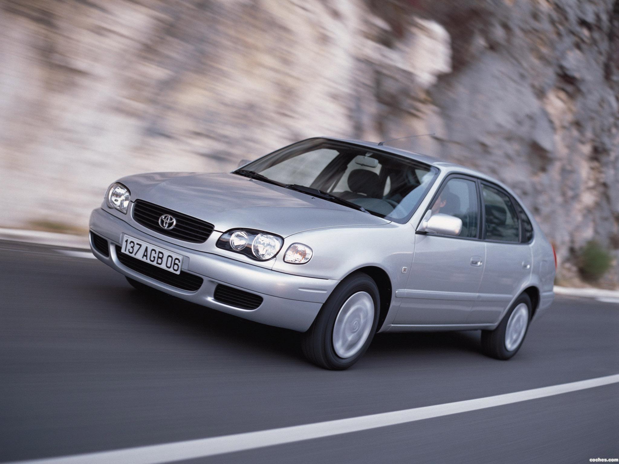 Foto 2 de Toyota Corolla 5 puertas 1999