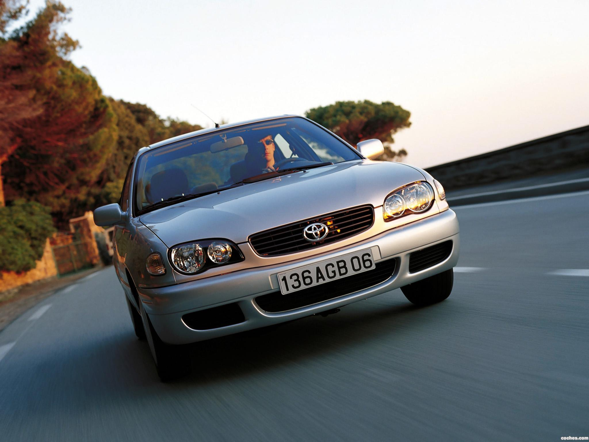 Foto 0 de Toyota Corolla 5 puertas 1999