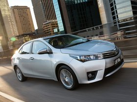 Fotos de Toyota Corolla Sedan ZR 2014