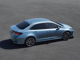 Ver foto 2 de Toyota Corolla Sedan Hybrid 2019