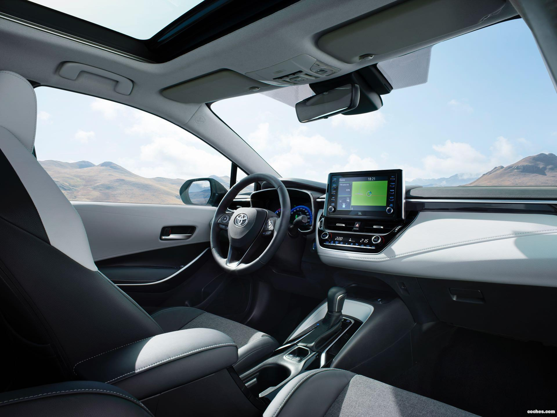 Foto 2 de Toyota Corolla Touring Sports Hybrid 2019