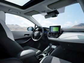 Ver foto 3 de Toyota Corolla Touring Sports Hybrid 2019