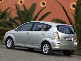Ver foto 10 de Toyota Corolla Verso 2004