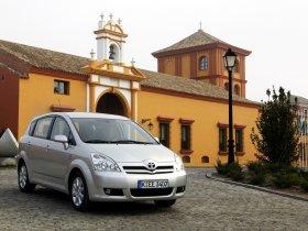 Ver foto 9 de Toyota Corolla Verso 2004