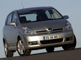 Ver foto 24 de Toyota Corolla Verso 2004