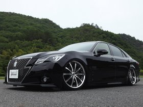 Ver foto 2 de Toyota Crown Athlete Bold World S210 2013