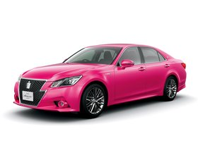 Fotos de Toyota Crown Hybrid Athlete Pink S210 2013