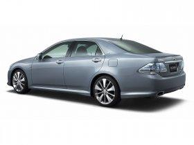 Ver foto 4 de Toyota Crown Hybrid Concept 2007