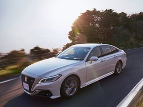 Fotos de Toyota Crown RS Advance  2018