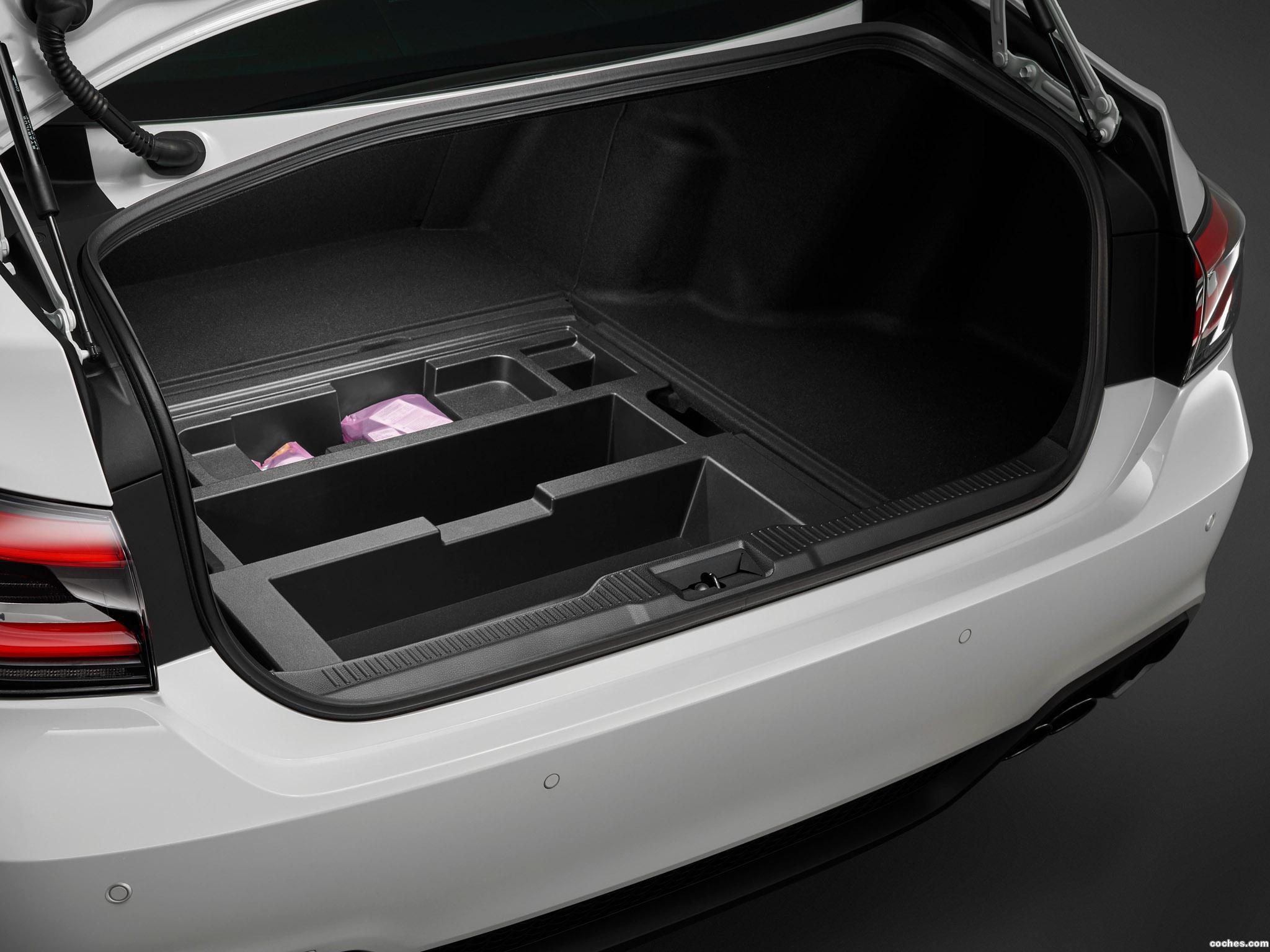 Foto 8 de Toyota Crown RS Advance  2018
