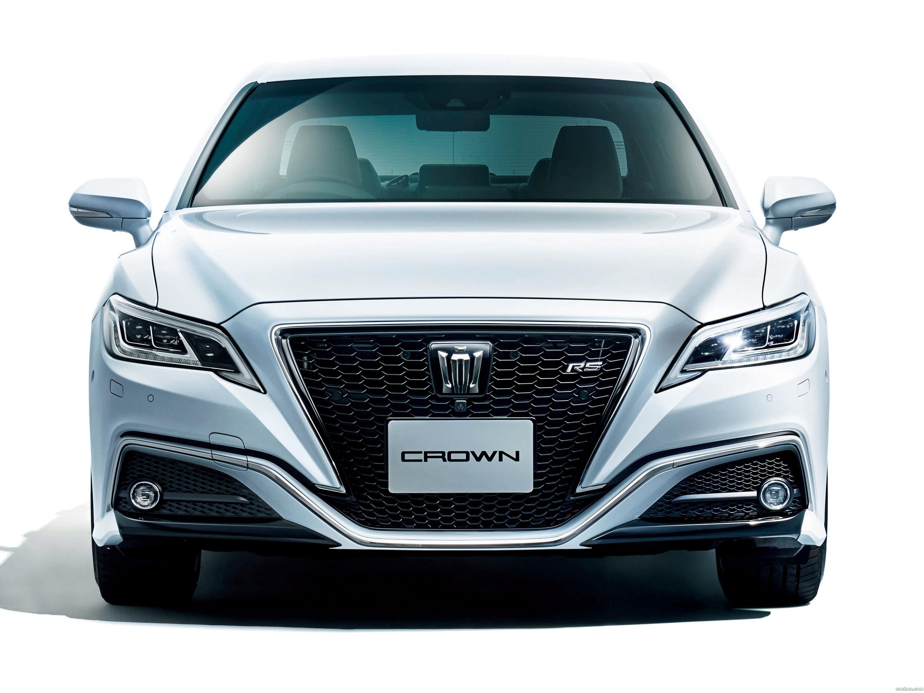 Foto 5 de Toyota Crown RS Advance  2018