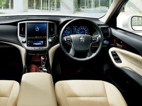 Ver foto 6 de Toyota Crown Royal Saloon G Hybrid S210 2015