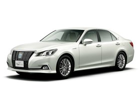 Ver foto 3 de Toyota Crown Royal Saloon G Hybrid S210 2015