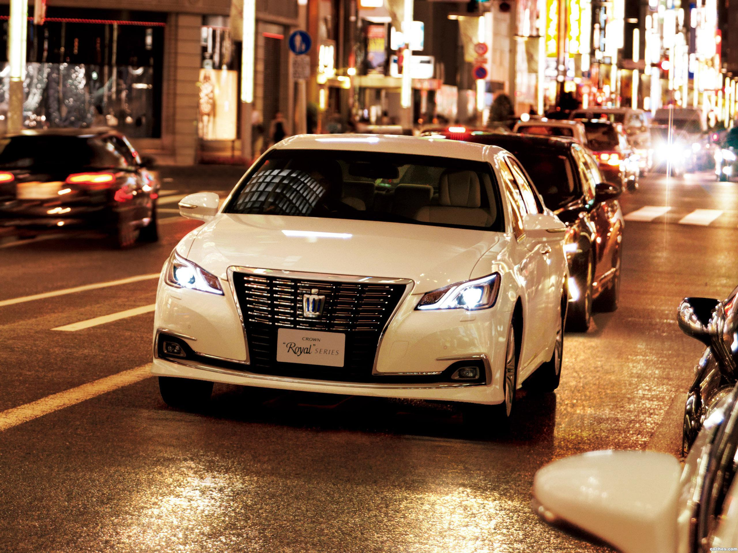 Foto 0 de Toyota Crown Royal Saloon G Hybrid S210 2015