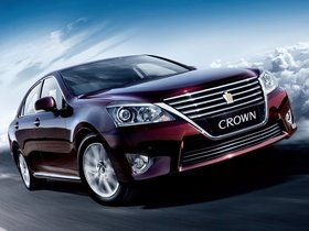 Fotos de Toyota Crown Royal Saloon VIP 2012