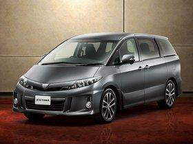 Fotos de Toyota Estima Aeras 2012