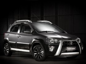 Fotos de Toyota Etios Cross 2013