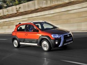 Ver foto 10 de Toyota Etios Cross 2014