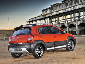 Ver foto 2 de Toyota Etios Cross 2014