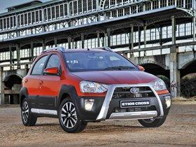 Ver foto 1 de Toyota Etios Cross 2014