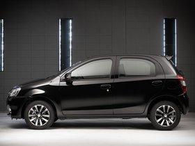 Ver foto 3 de Toyota Etios Platinum Hatchback 2014