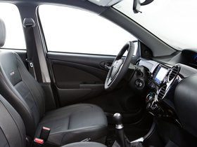 Ver foto 12 de Toyota Etios Platinum Hatchback 2014